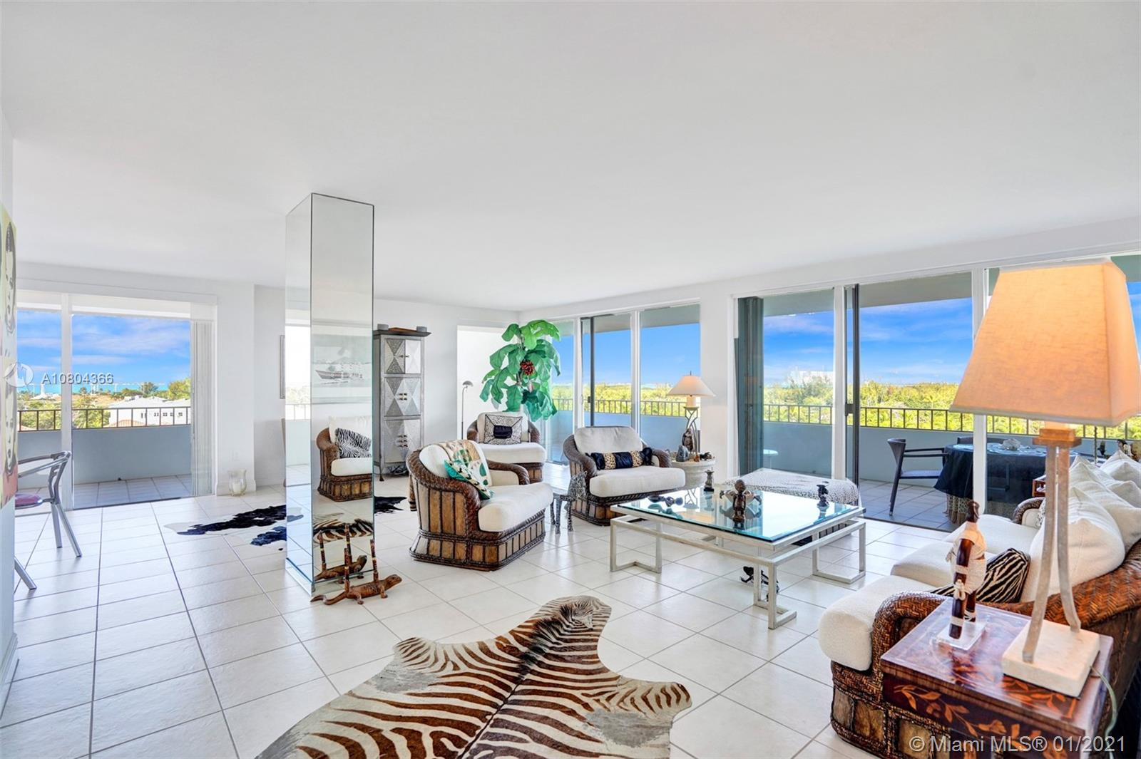 Commodore Club West #800 - 155 Ocean Lane Dr #800, Key Biscayne, FL 33149
