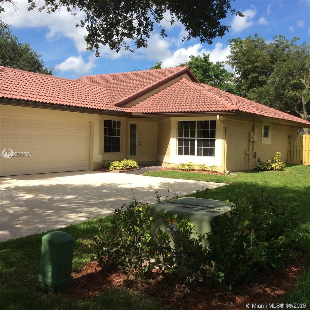 Property for sale at 1023 NW 104th Way Unit: 1023, Coral Springs,  Florida 33071