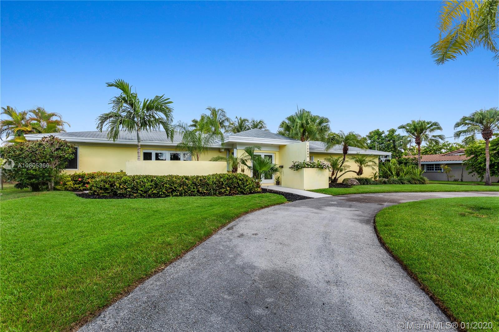 13020 SW 69th Ave - Pinecrest, Florida