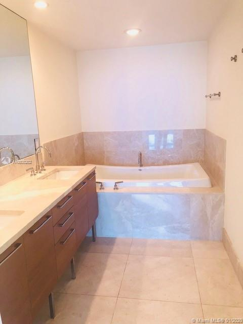 Property 17001 Collins Ave #1802 image 3