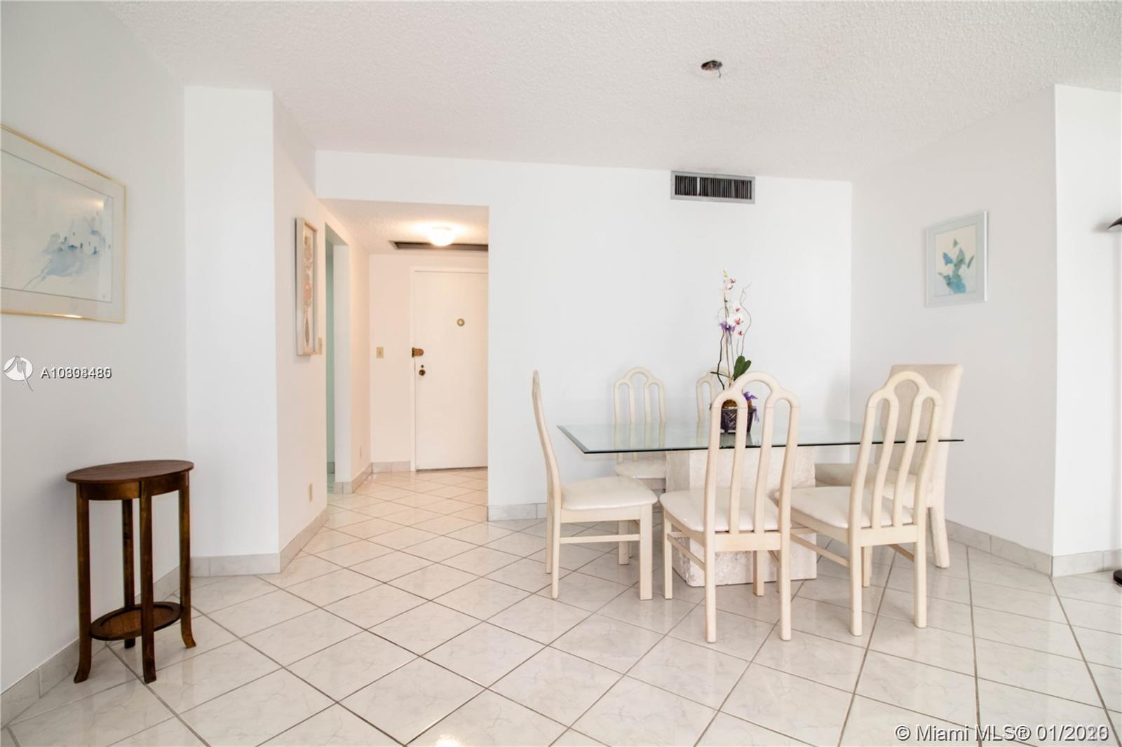 2500 Parkview Dr #518 photo02
