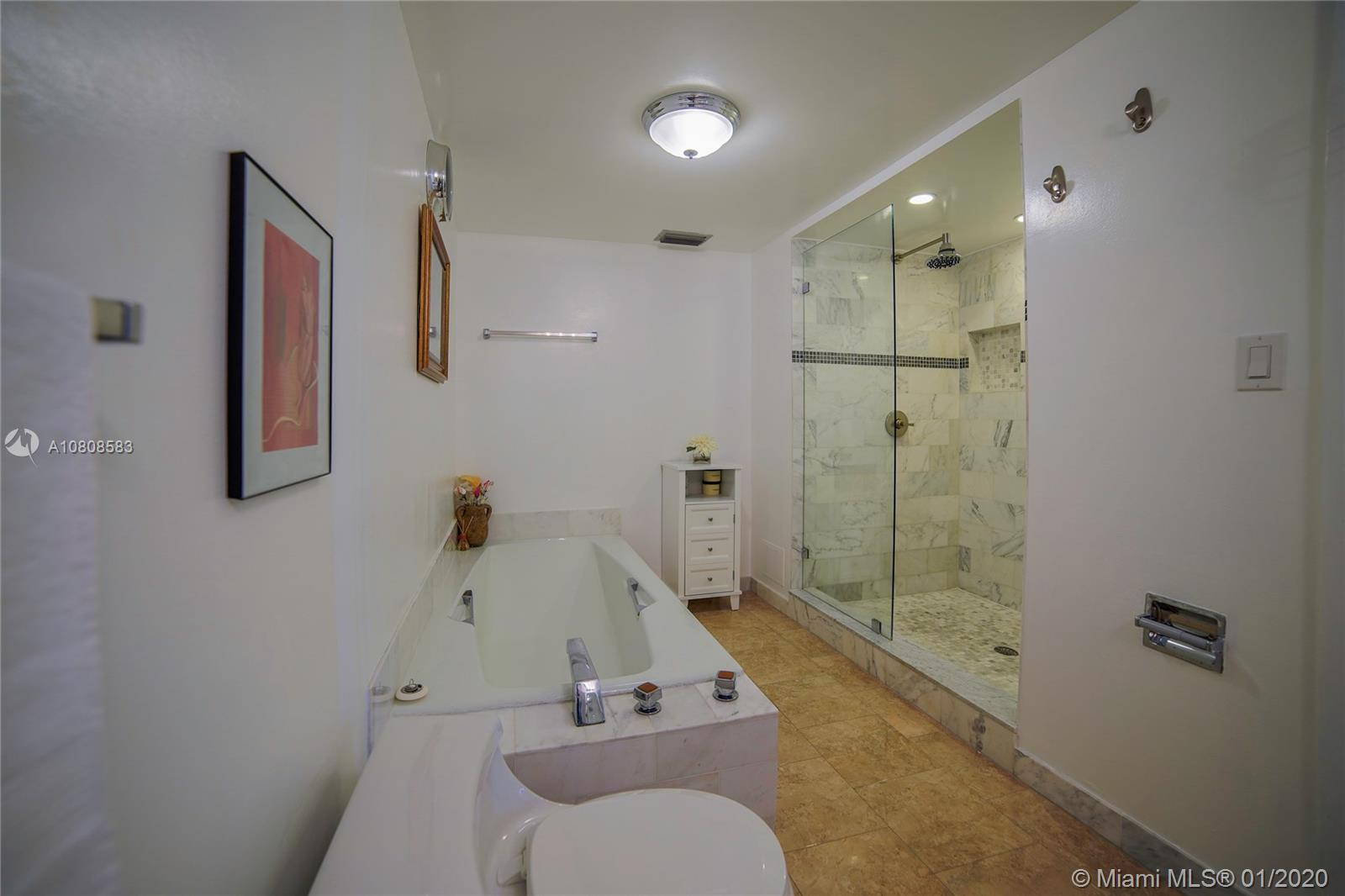 6423 Collins Ave #401 photo013