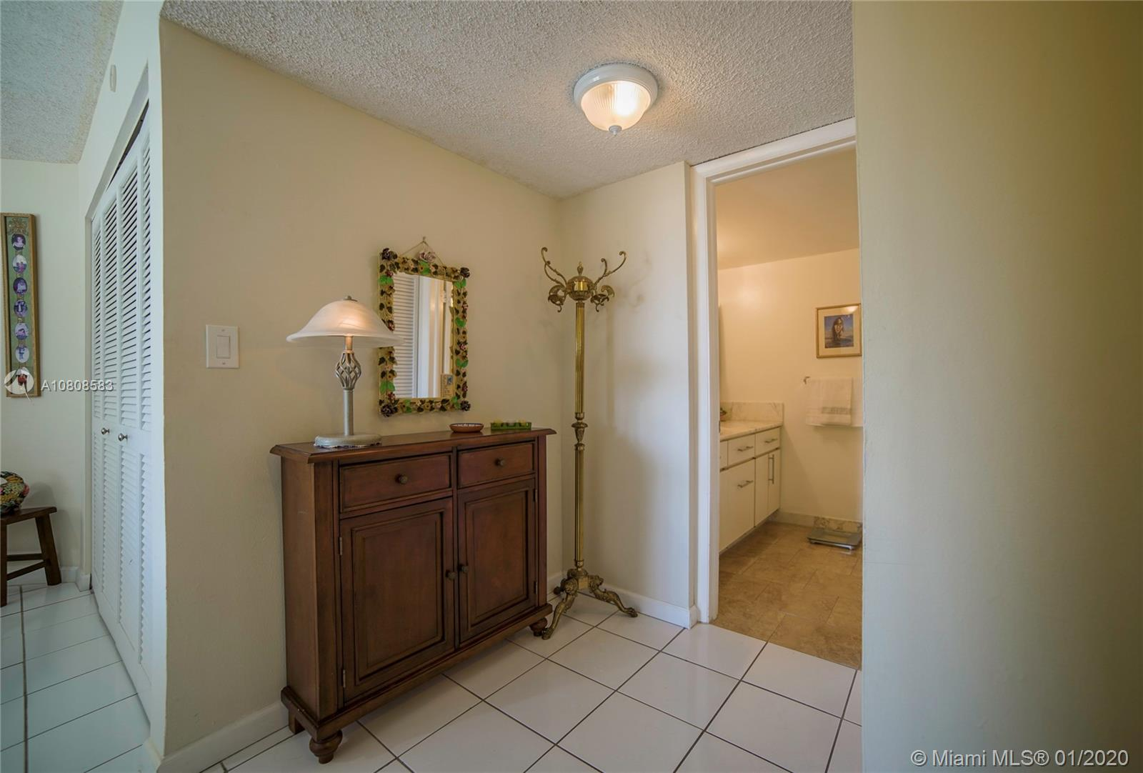 6423 Collins Ave #401 photo012