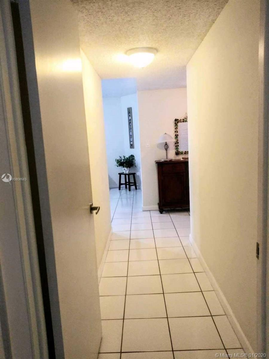 6423 Collins Ave #401 photo010