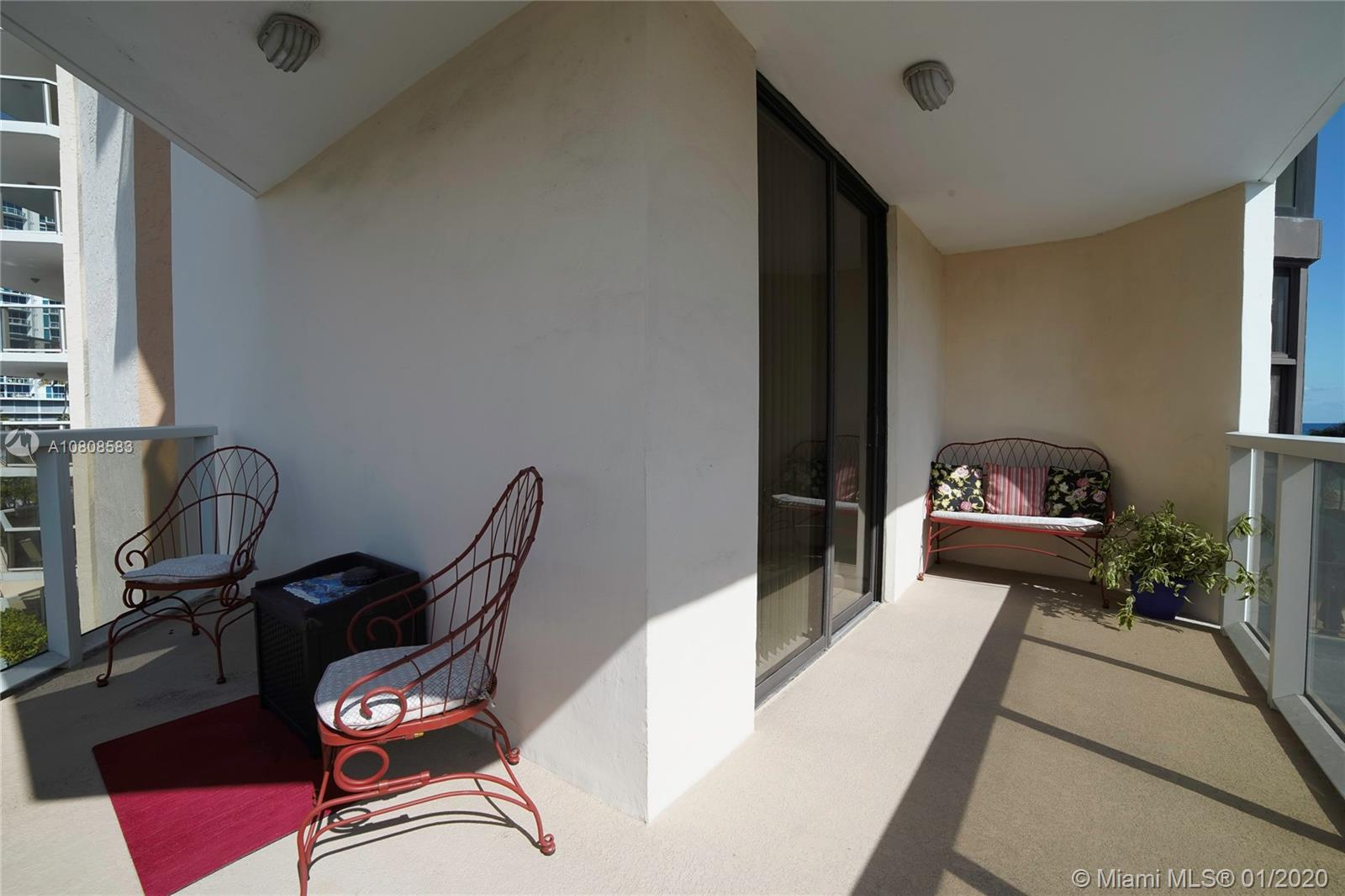 6423 Collins Ave #401 photo018