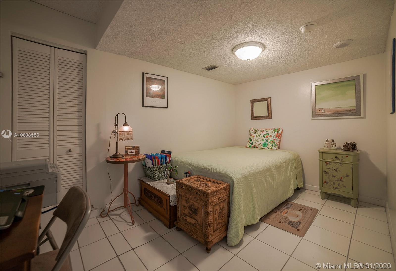 6423 Collins Ave #401 photo015