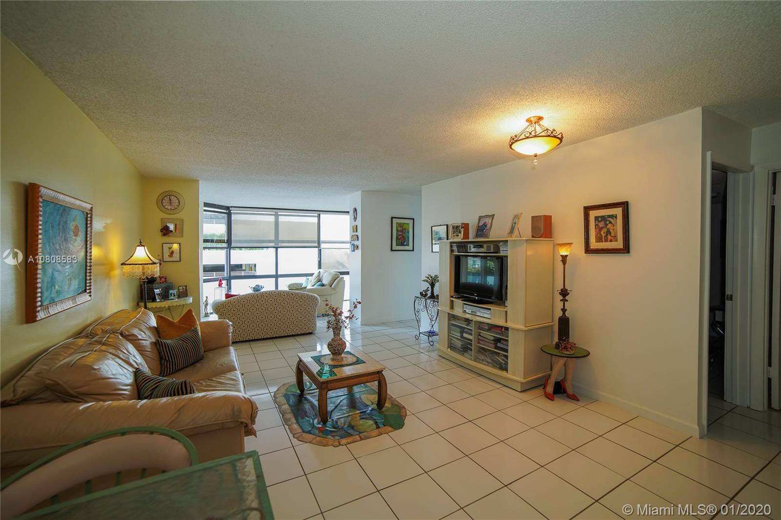 6423 Collins Ave #401 photo04