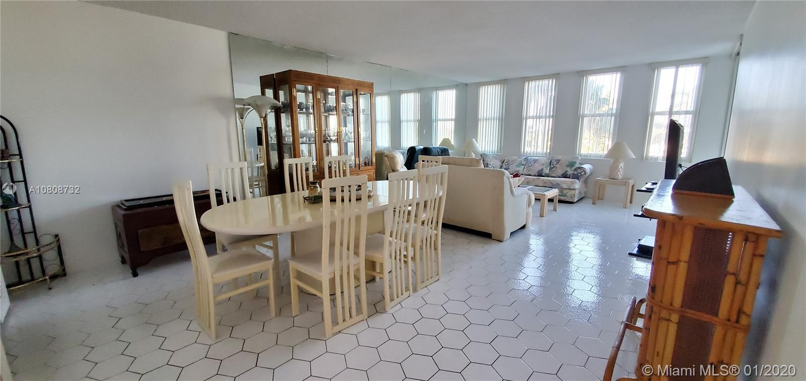 5401 Collins Ave #223 photo01
