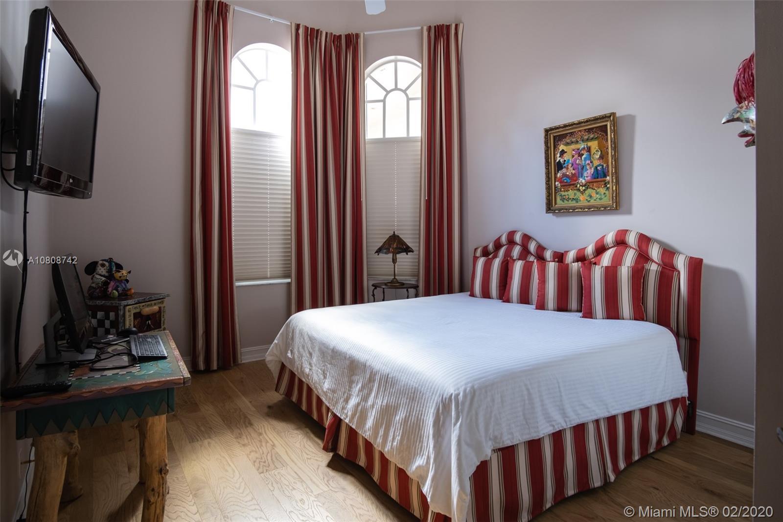 2441 Provence Cir photo022