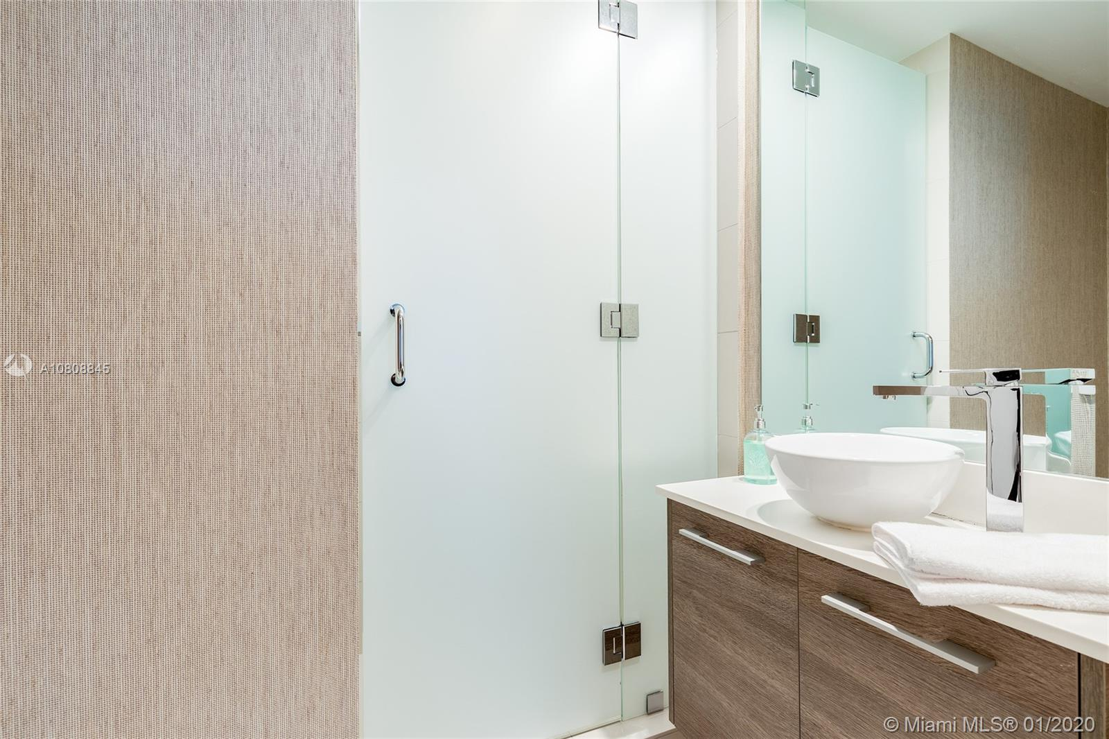 Photo of 650 NE 32nd St #1505 listing for Sale
