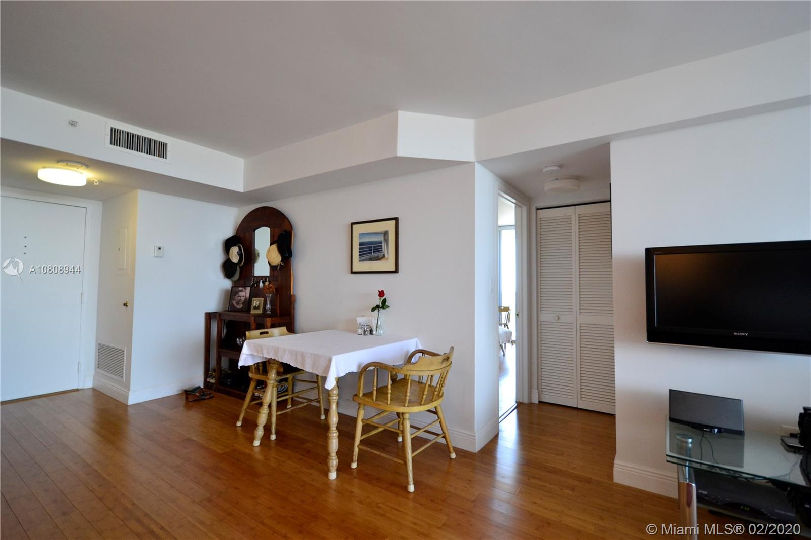 1900 Sunset Harbour Dr #2101 photo07