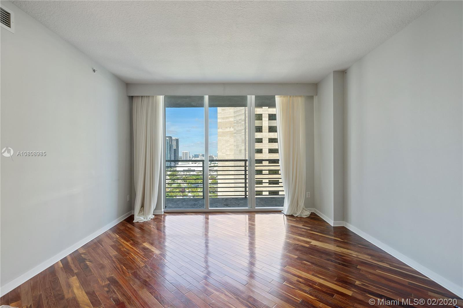 335 S Biscayne Blvd #3200 photo06