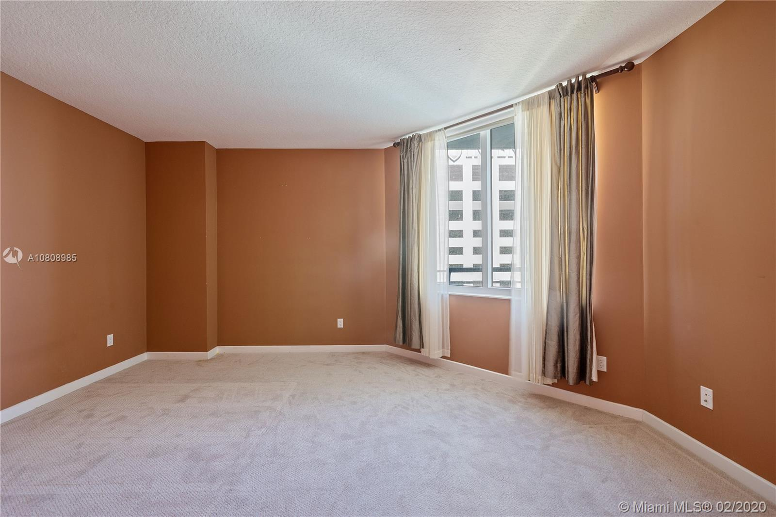 335 S Biscayne Blvd #3200 photo016