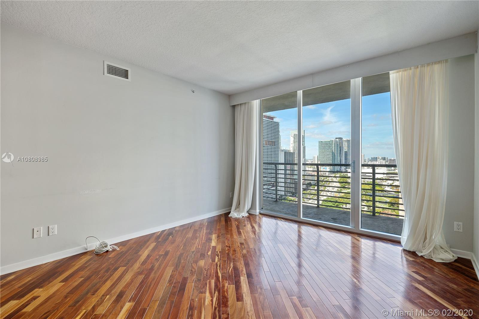 335 S Biscayne Blvd #3200 photo07