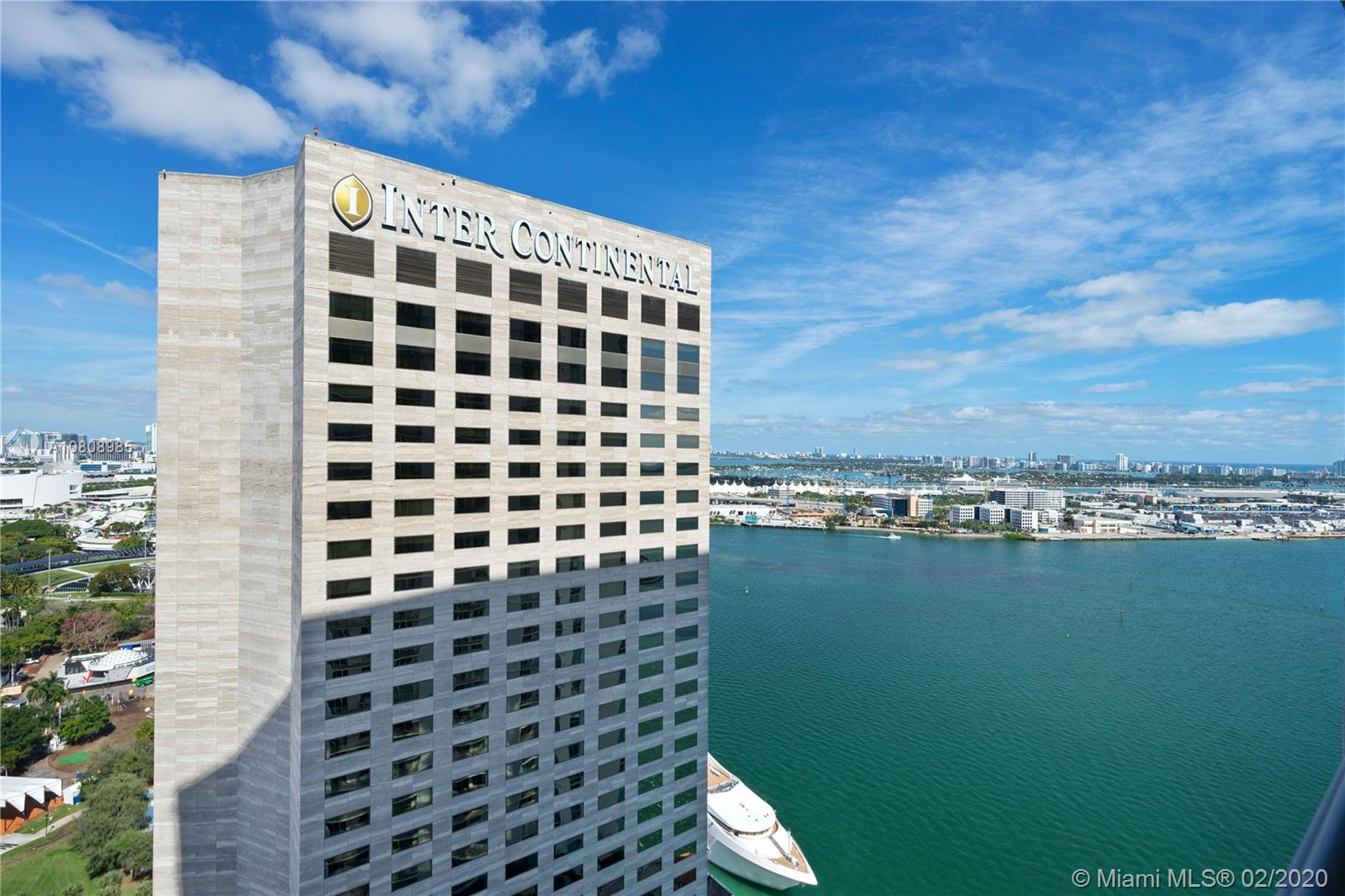 335 S Biscayne Blvd #3200 photo01