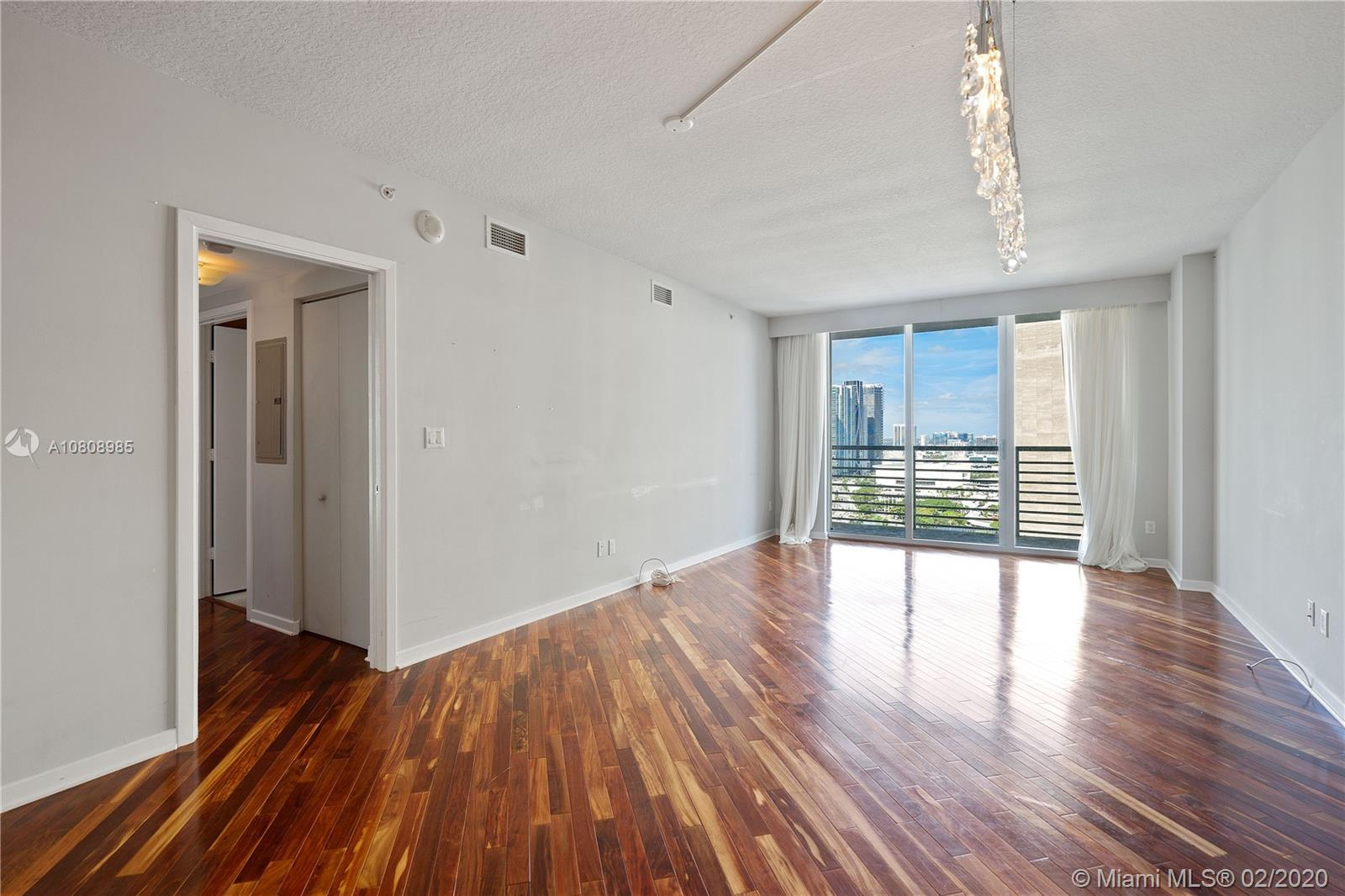 335 S Biscayne Blvd #3200 photo09