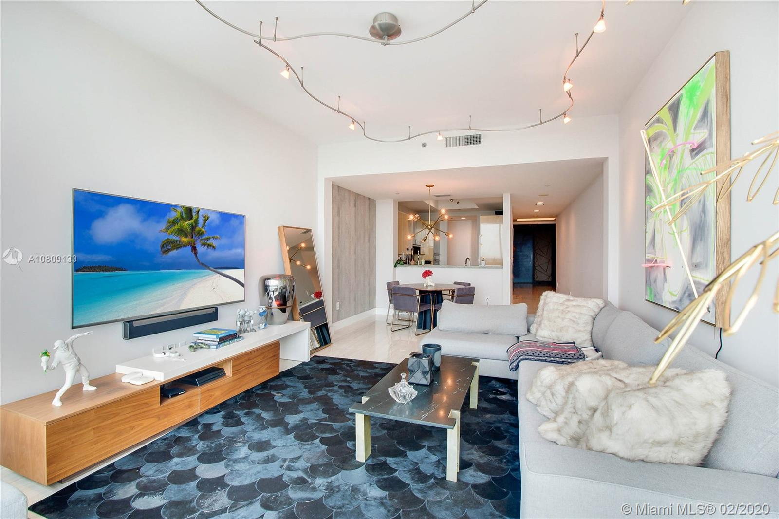 Photo of 100 S Pointe Dr #1403 listing for Sale