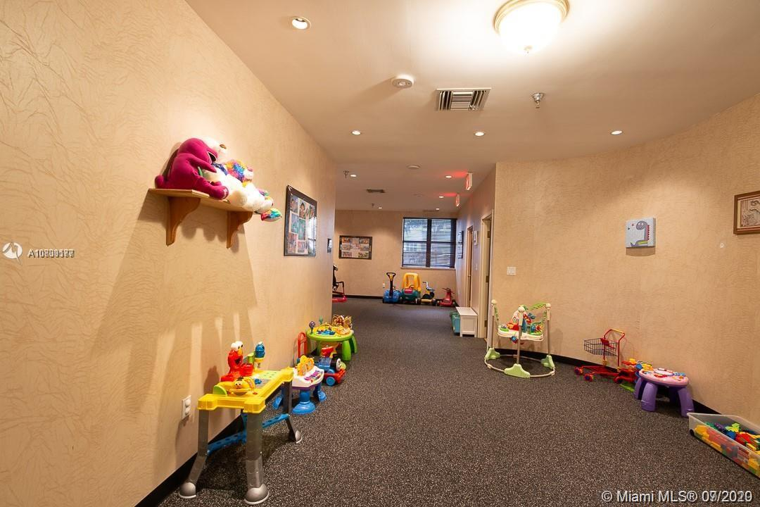 5757 SW Collins Ave #1603 photo027