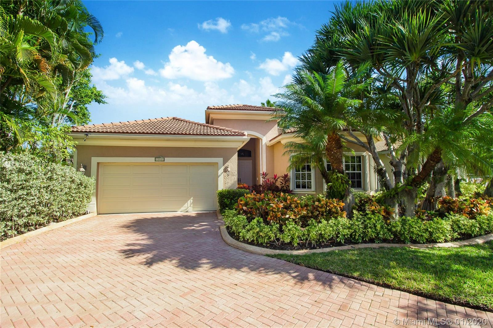 Photo of 19521 NE 16th Ct # listing for Sale