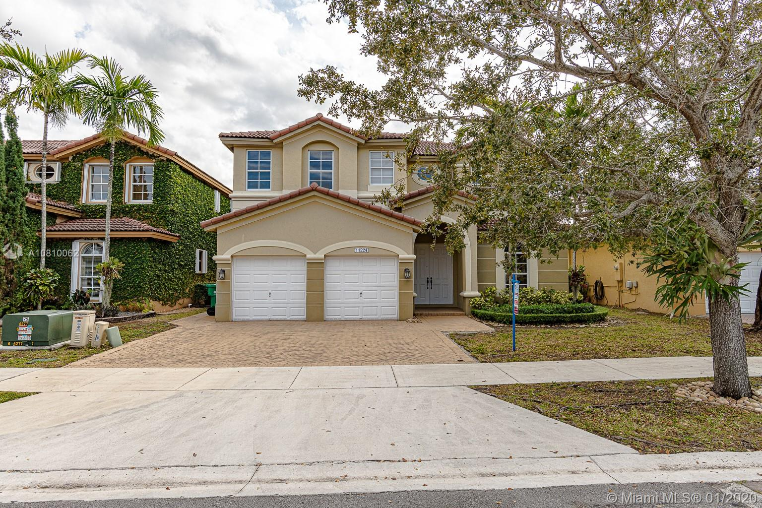 11224 NW 77th Ter, Doral, Florida 33178, 4 Bedrooms Bedrooms, ,4 BathroomsBathrooms,Residential,For Sale,11224 NW 77th Ter,A10810062