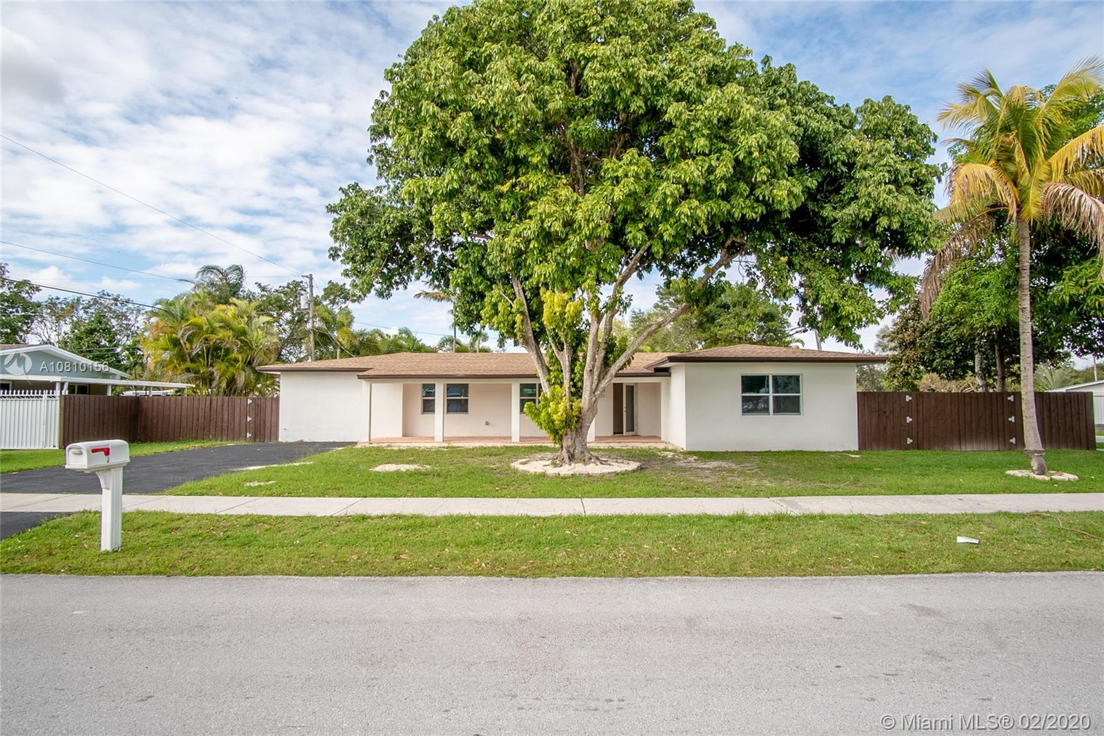 9305 SW 178th Ter photo01