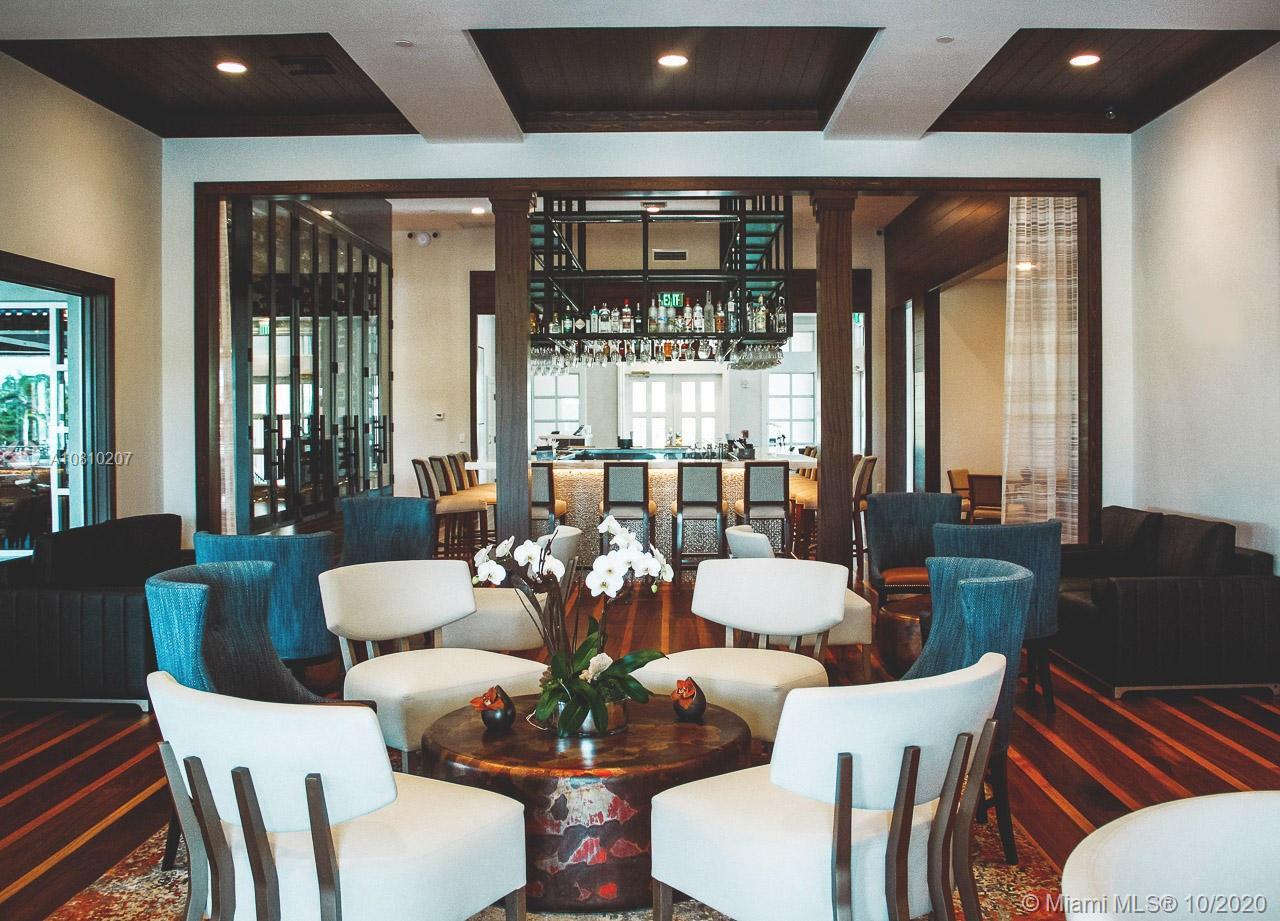 Club Restaurant