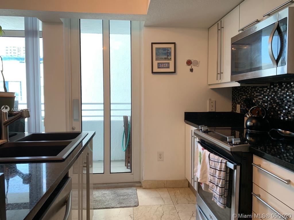 7600 Collins Ave #908 photo07
