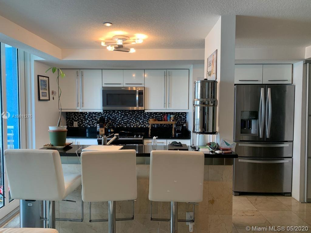 7600 Collins Ave #908 photo05