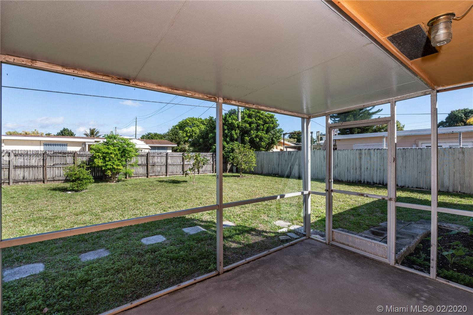 8111 NW 15th Ct, Pembroke Pines, Florida 33024, 2 Bedrooms Bedrooms, ,1 BathroomBathrooms,Residential,For Sale,8111 NW 15th Ct,A10811369