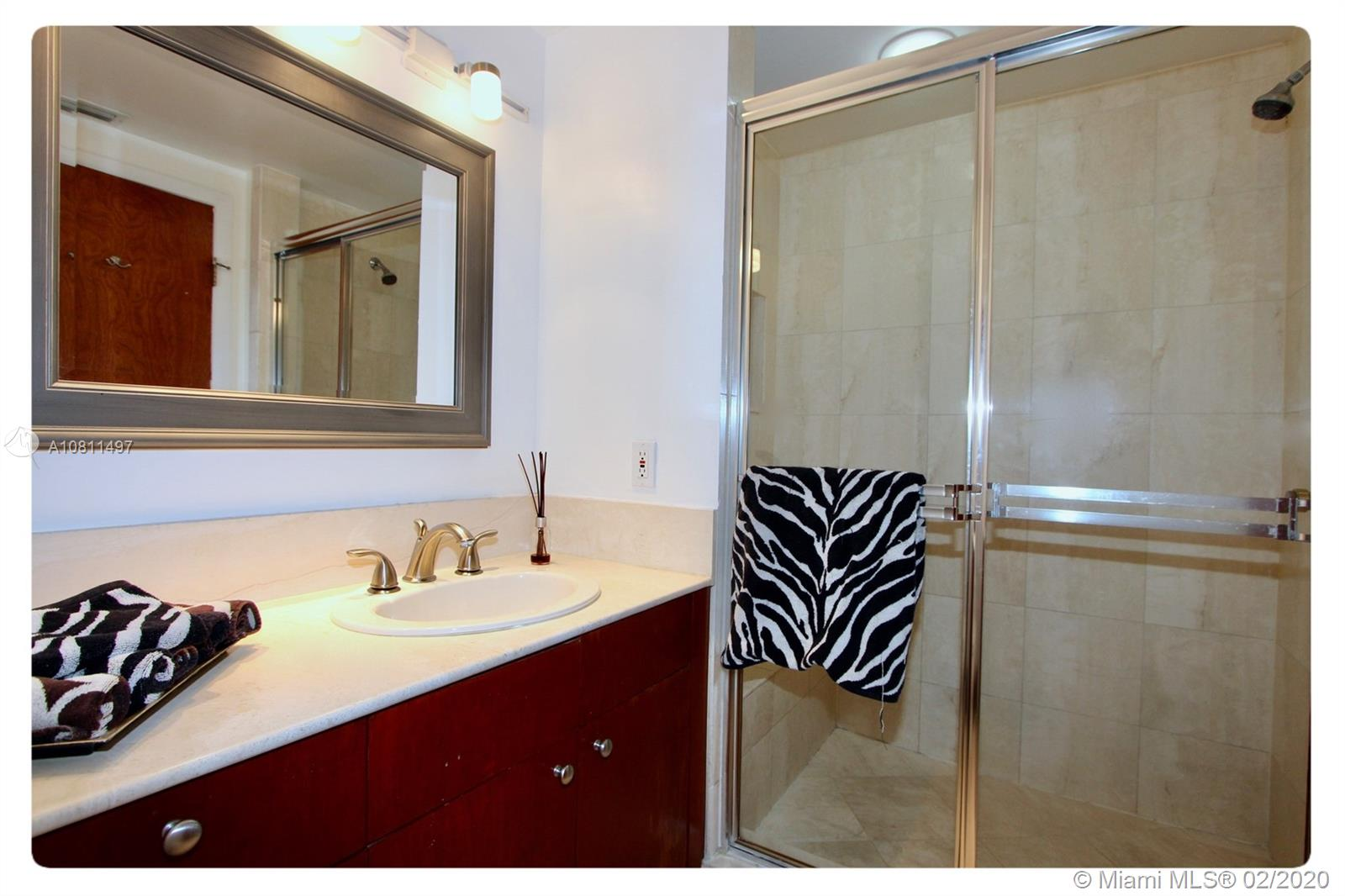 Photo of 2000 Island Blvd #1208 listing for Sale