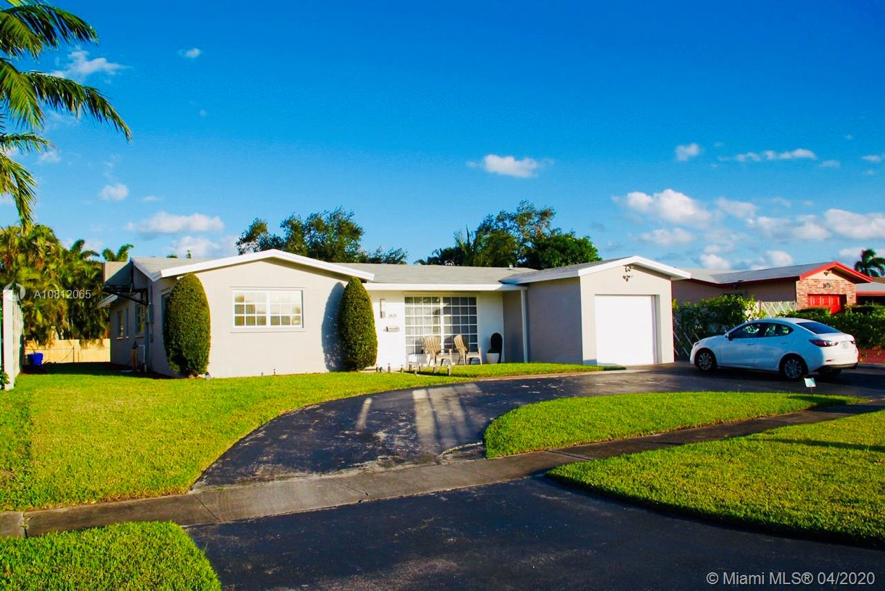 2121 N 53rd Ave photo01