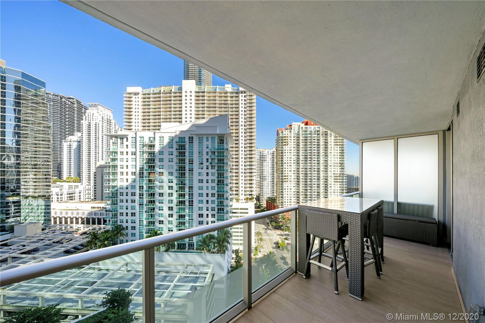 1300 Brickell Bay Dr #1811 photo01