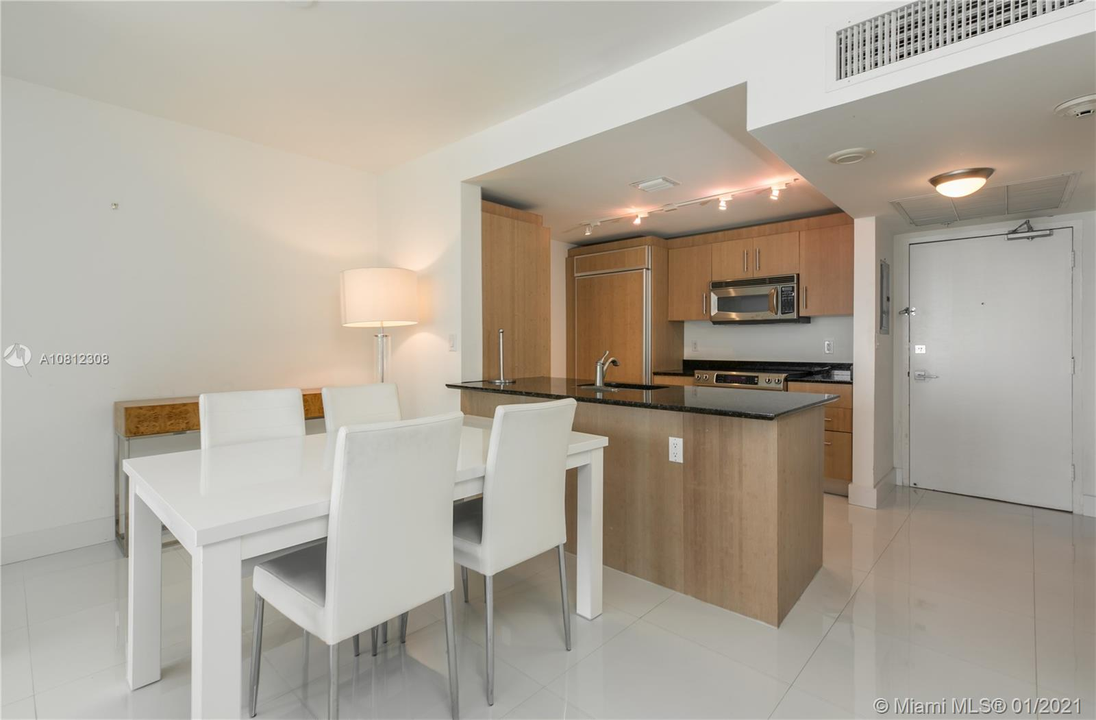 10275 Collins Ave #408 photo07