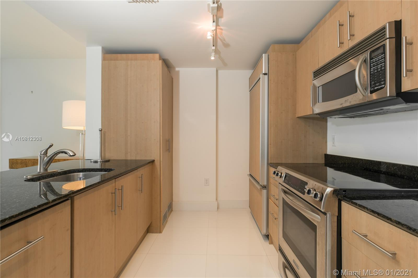 10275 Collins Ave #408 photo09