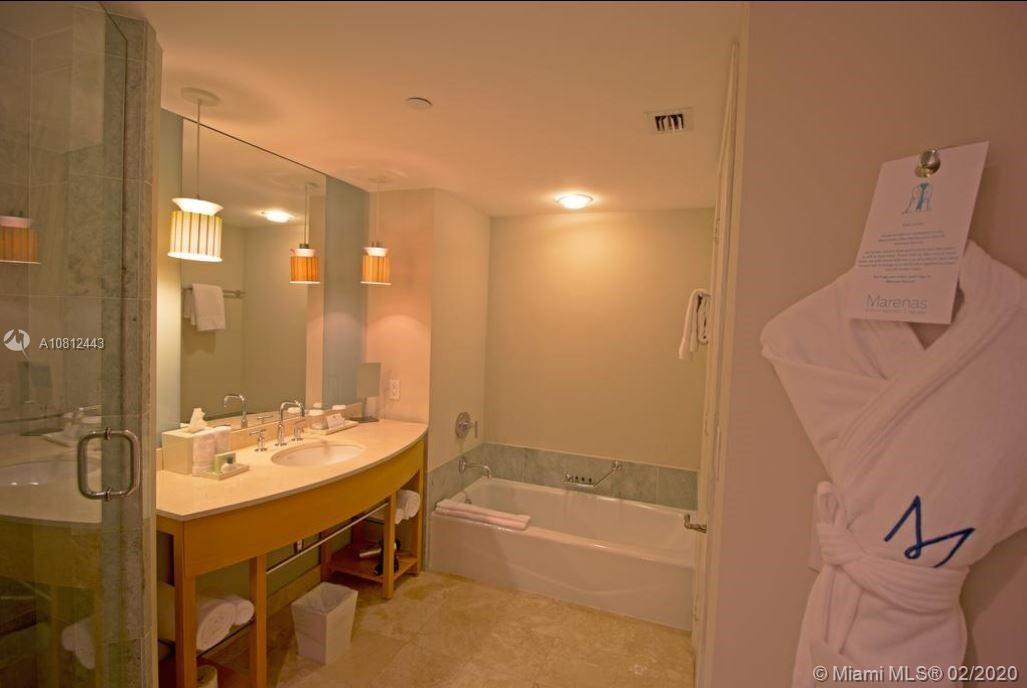 18683 Collins Ave #903 photo05