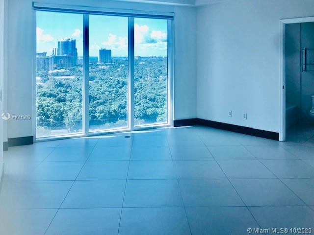 Photo of 60 SW 13th St #1400 listing for Sale
