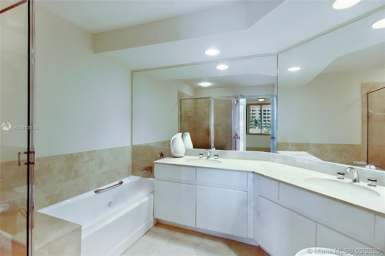 888 Brickell Key Dr #709 photo03