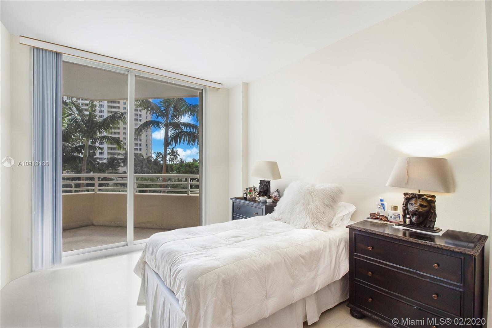 888 Brickell Key Dr #709 photo05