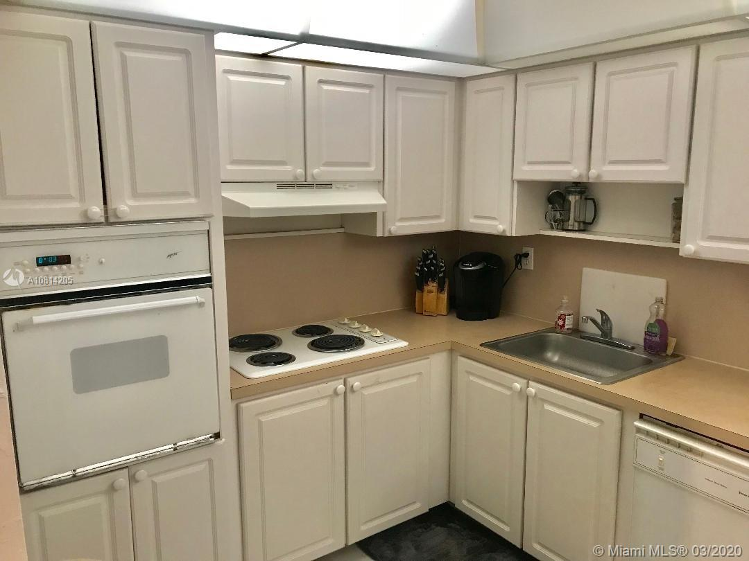 19390 Collins Ave #1511 photo09
