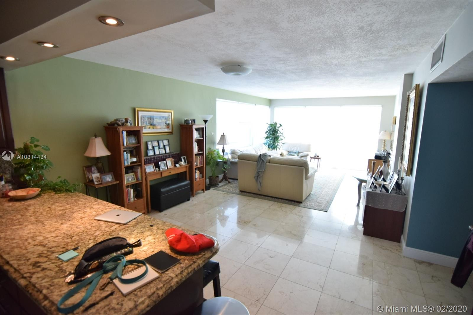 5333 Collins Ave #801 photo02
