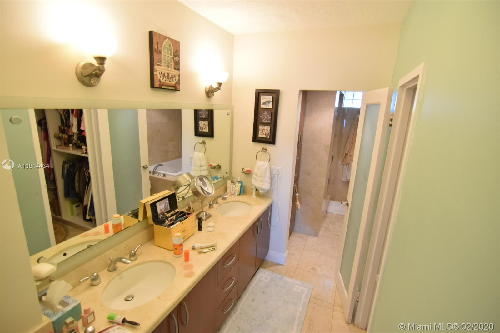 5333 Collins Ave #801 photo09