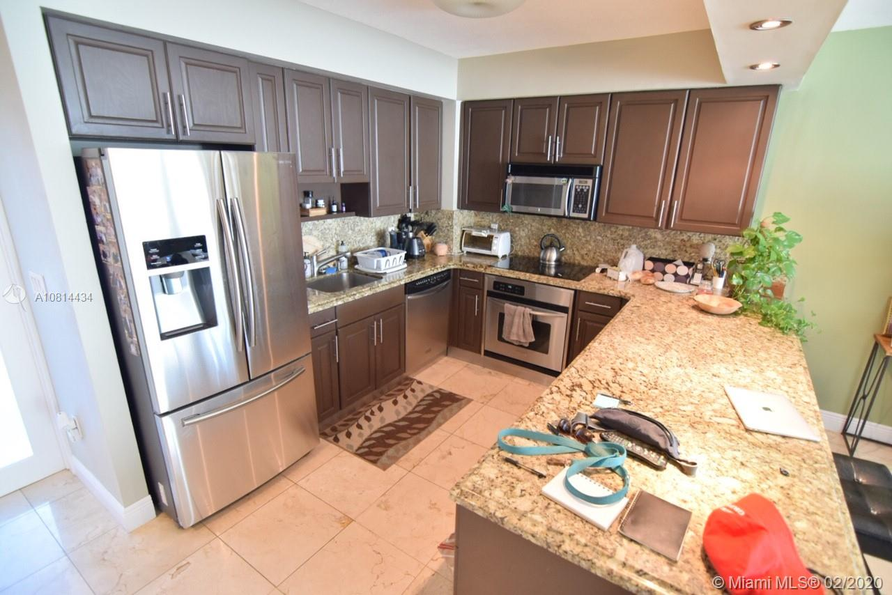 5333 Collins Ave #801 photo08