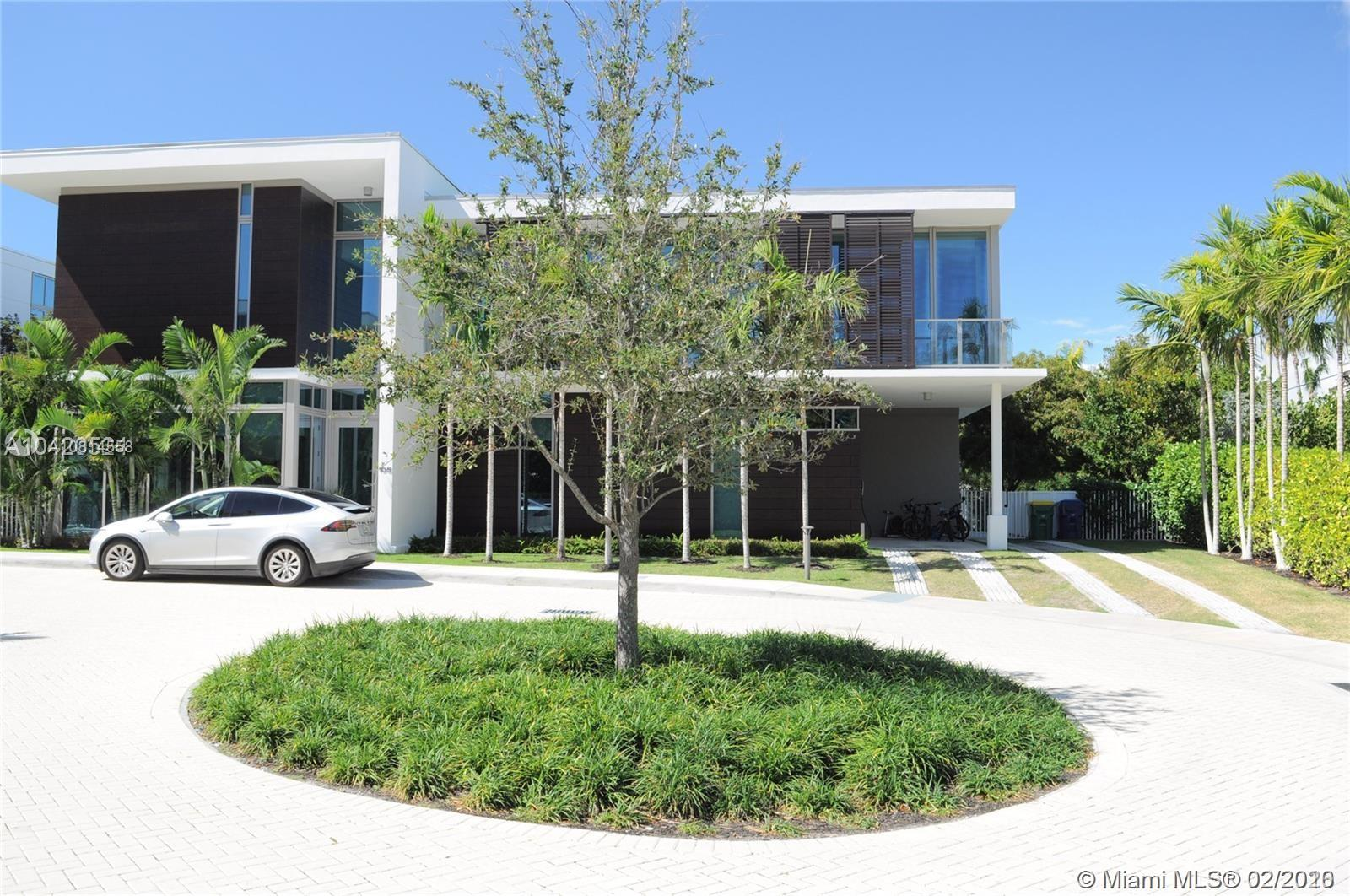 Property for sale at 105 Reef Ln, Key Biscayne,  Florida 33149