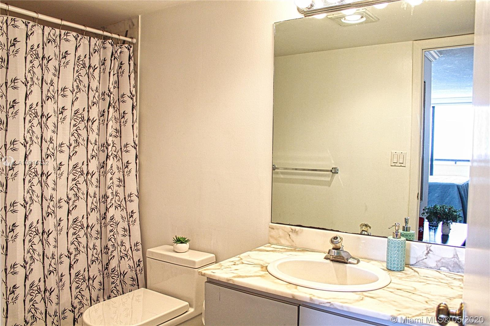 2555 Collins Ave #1410 photo05