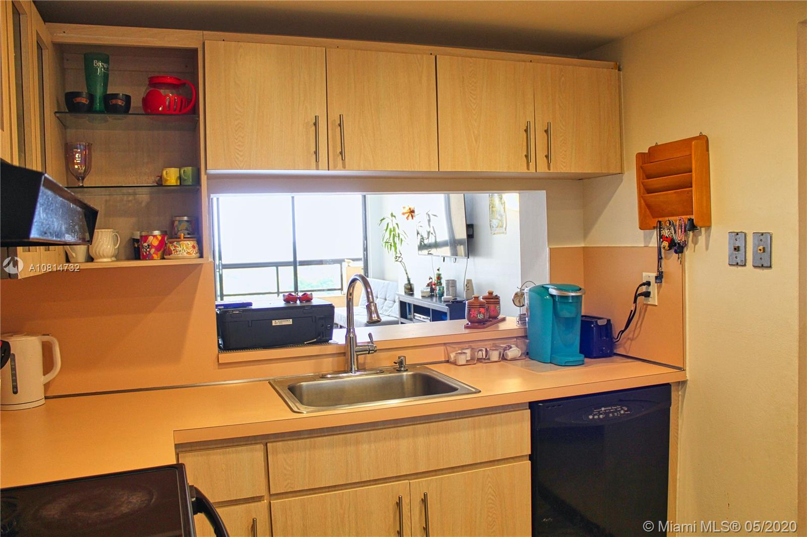 2555 Collins Ave #1410 photo011