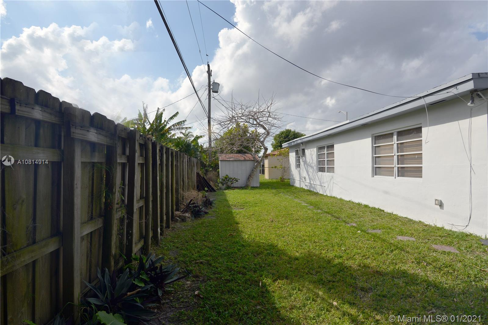 8580 SW 27th Ter photo017