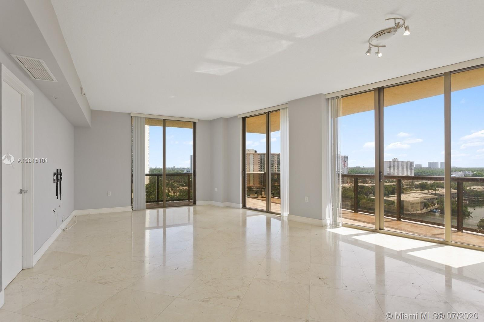16275 Collins Ave #904 photo01