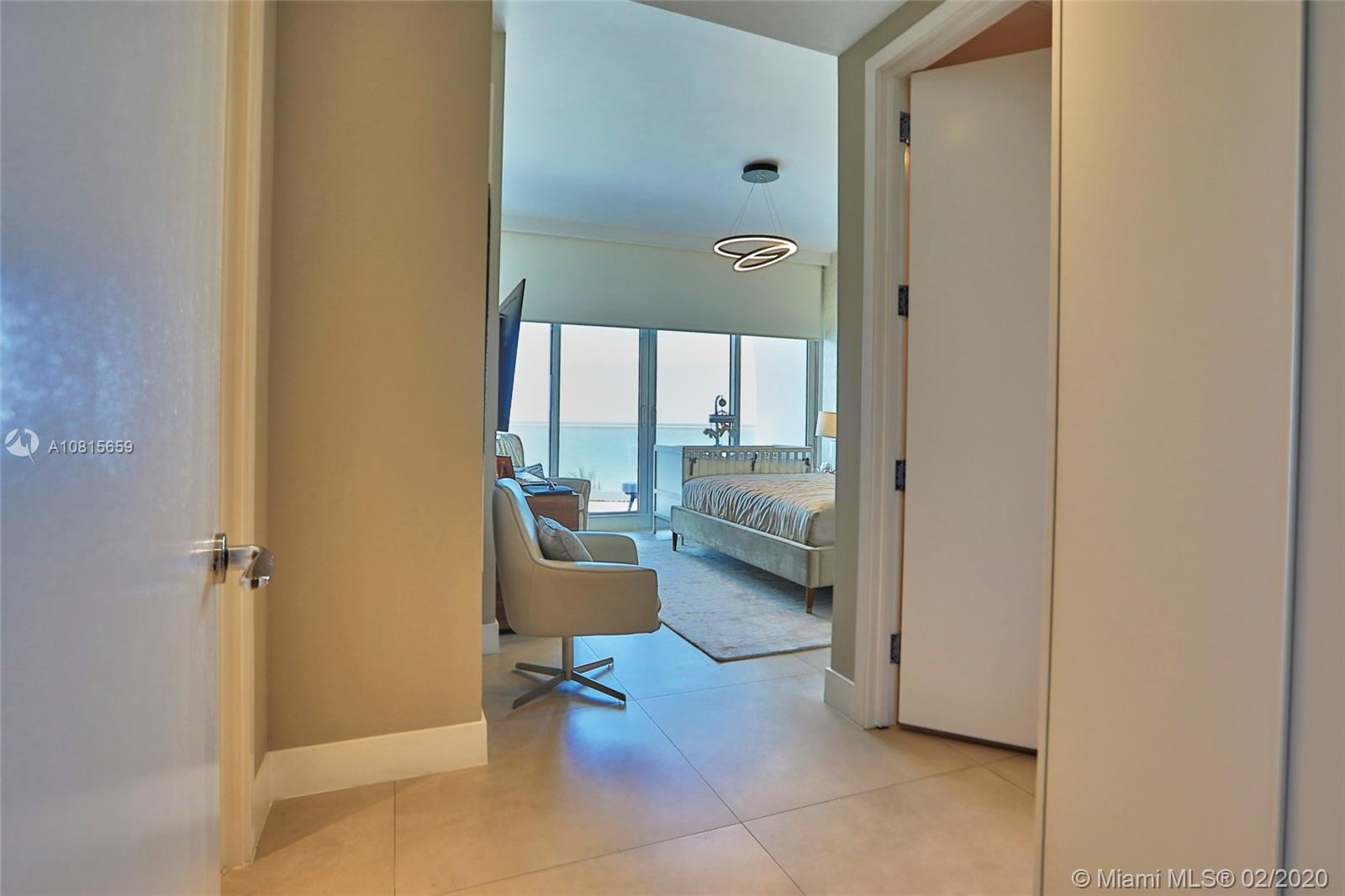 16901 Collins Ave #502 photo017