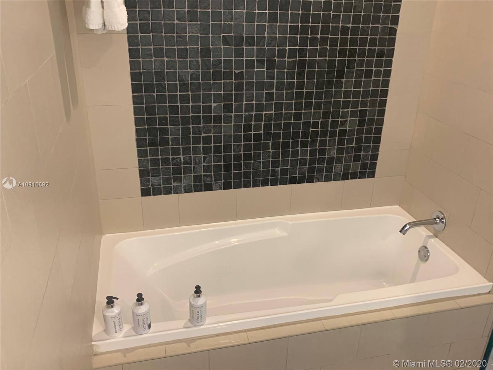17315 Collins Ave #2205 photo019
