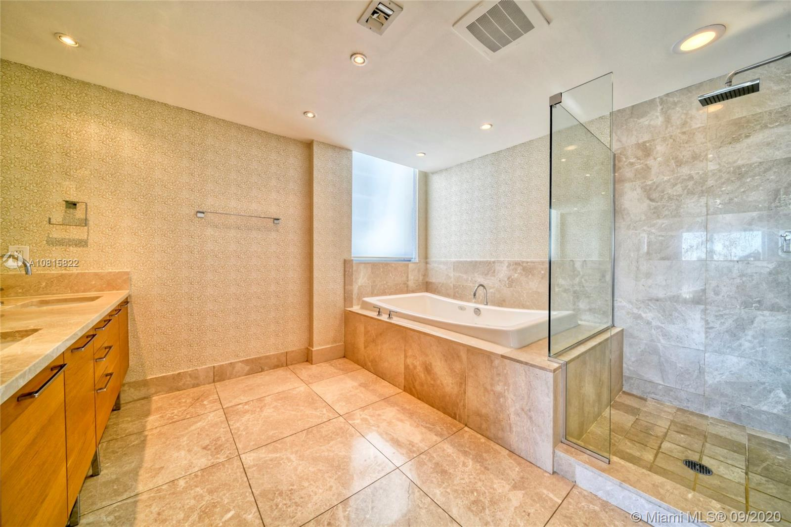 17001 Collins Ave #908 photo012